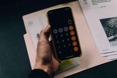 De belangrijkste tip voor 2021? Maak uw schulden bespreekbaar. Eenmaal u dat doet, kan u doelgericht hulp zoeken.